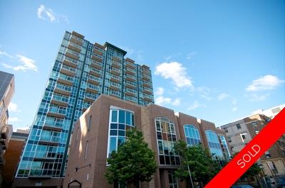 Byward Market Condominium for sale: York Plaza 2 Bed + Den  Hardwood Floors 970 sq.ft. (Listed 2015-07-28)